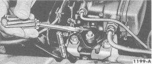 Fig. 12: Idle Fuel Mixture Adjustment